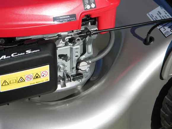 Honda Izy - fuel tap on